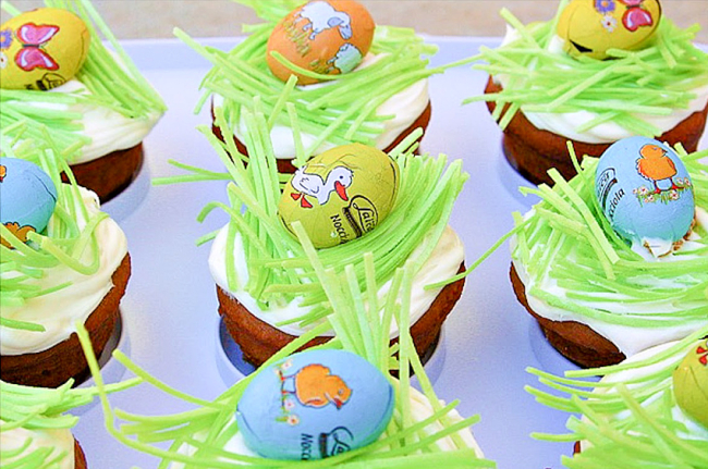 Easy easter cupcakes with eggs on top