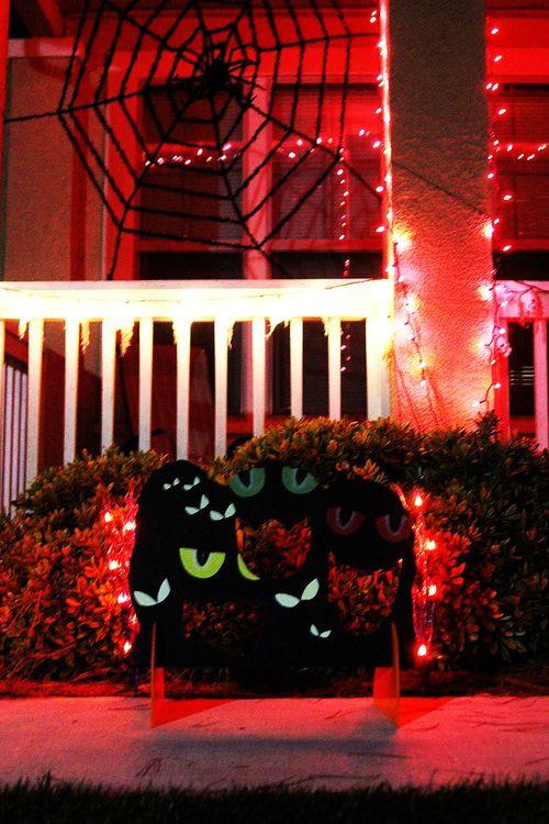 Halloween glow-in-the-dark games