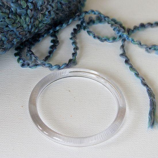 How to make a yarn bangle