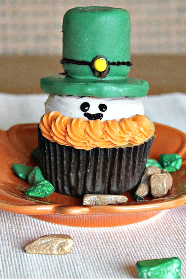 Leprechaun cupcakes for St. Patricks Day