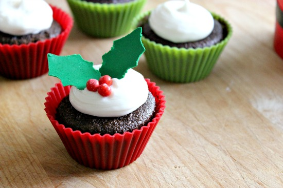 How to make holly cupcakes