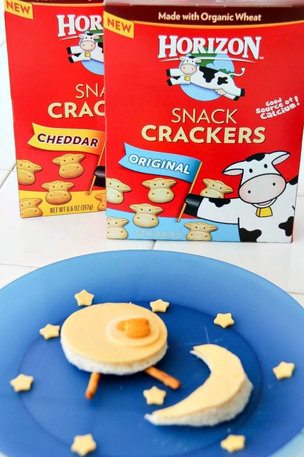 horizon organic cow crackers with a cow shaped sandwich