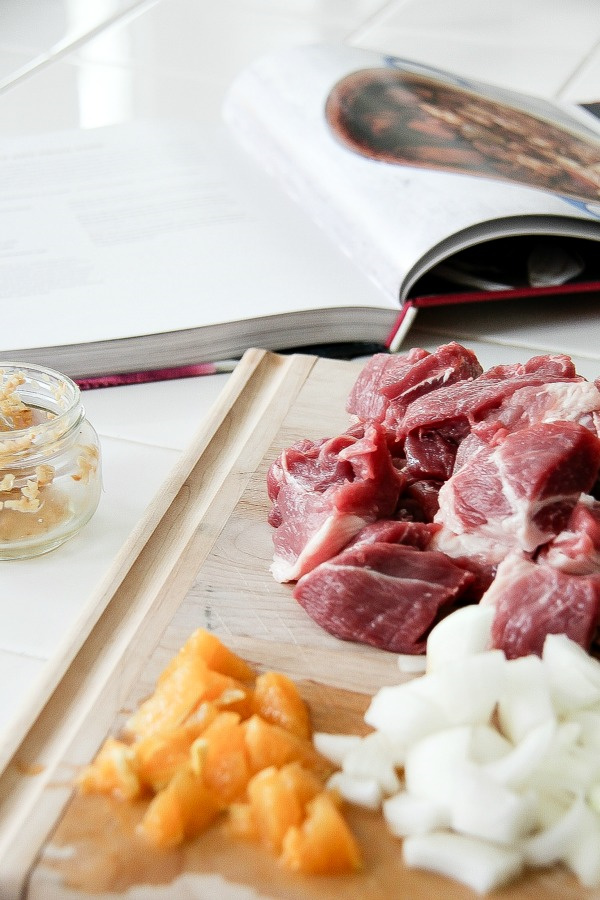 ingredients to make pork carnitas