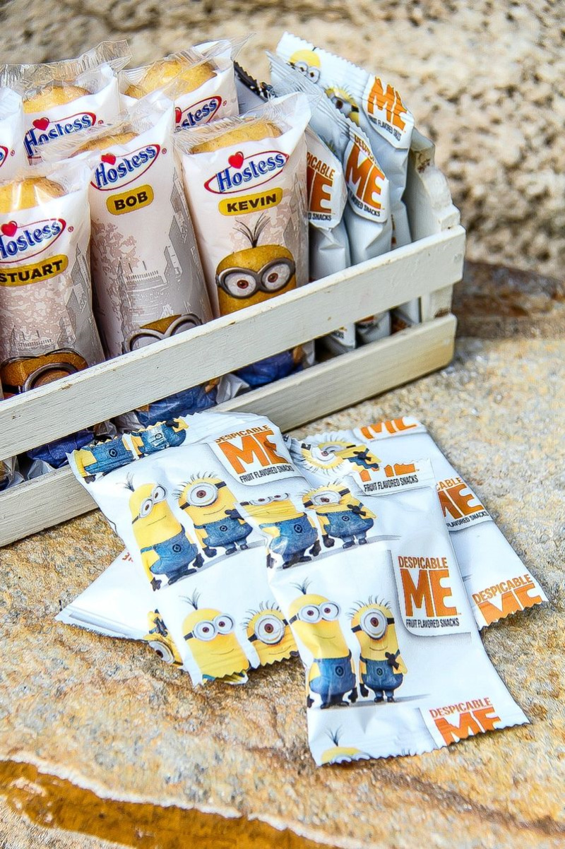 despicable me minion hostess twinkies and gummy candies
