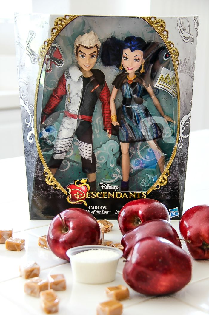 disney descendants dolls carlos and evie with apples and caramels