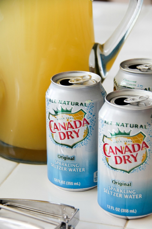 cans of canada dry seltzer water