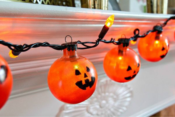 jack o lantern lighted garland diy