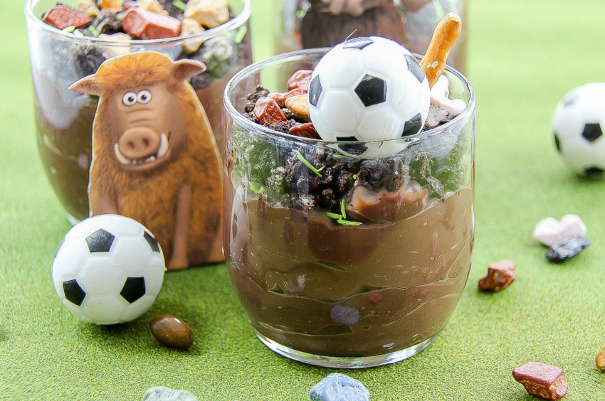 Early Man movie pudding cups for movie night with the kids