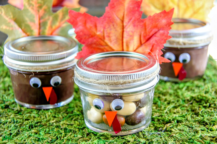 Thanksgiving turkey jar craft filled with candy and pudding for kids
