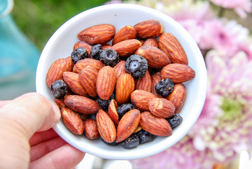 A bowl of Blue Diamond Almonds & Fruit Sea Salt & Whole Blueberry