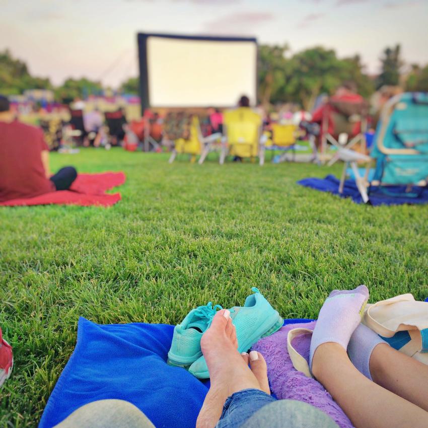 outdoor movie night in Temecula California.