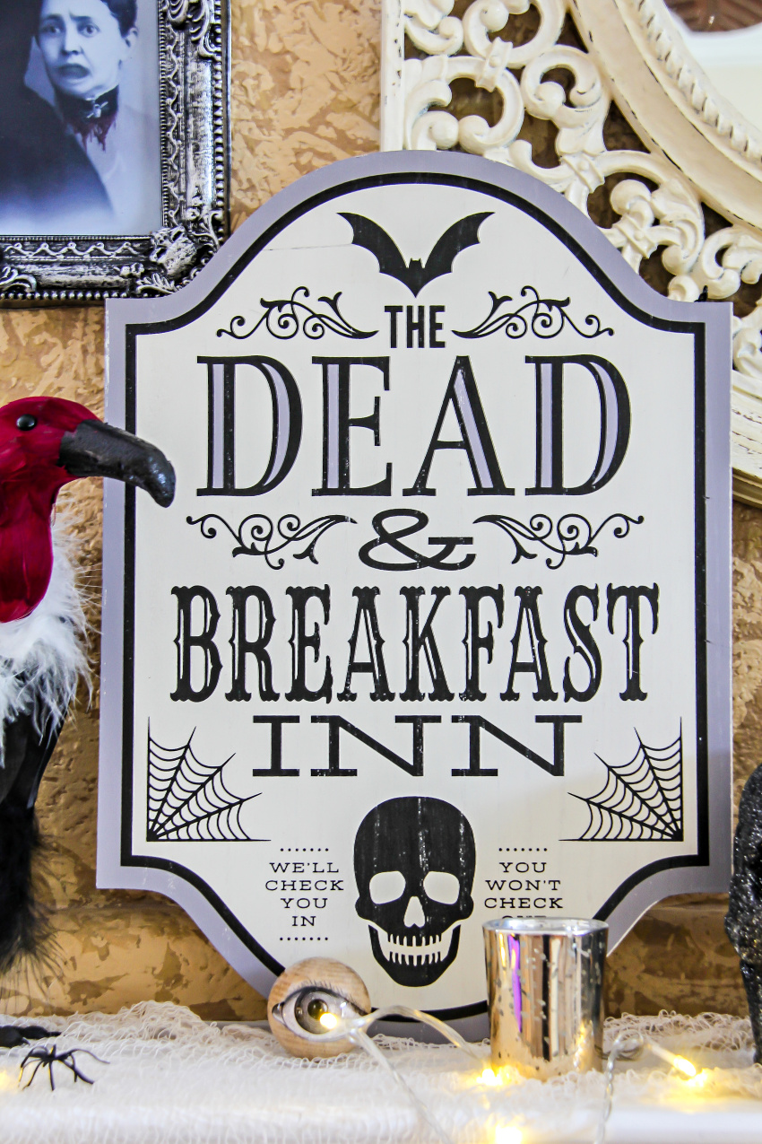 A Dead and Breakfast Inn Halloween sign from Oriental Trading.