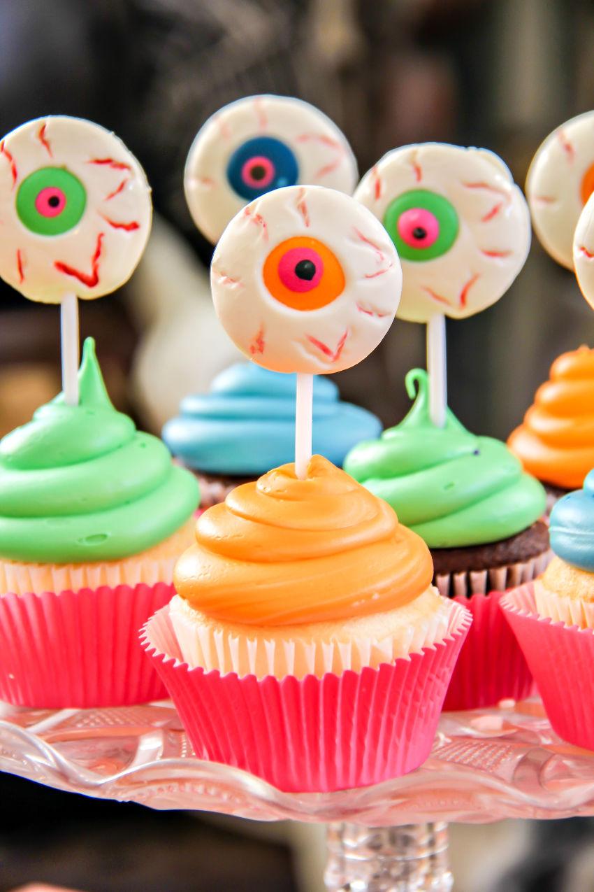 Monster eyeball cupcakes for Halloween parties.
