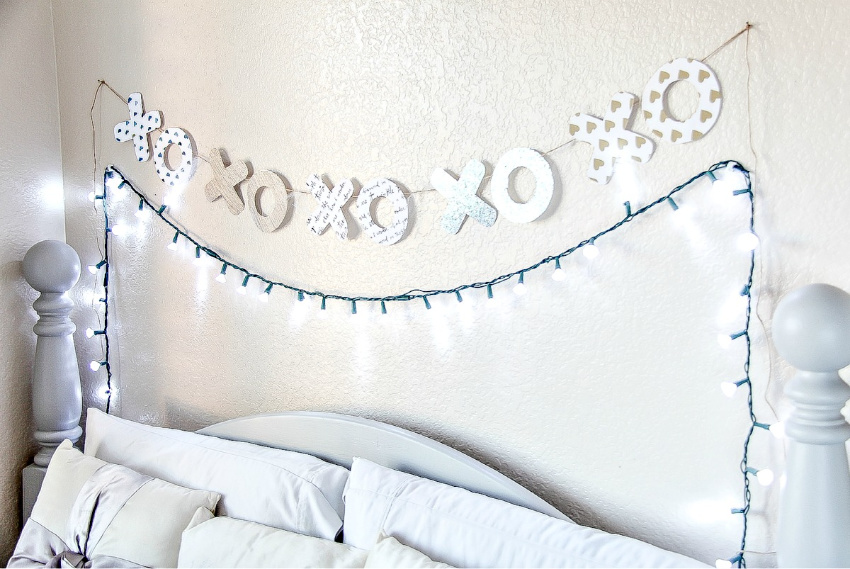 an x and o paper banner