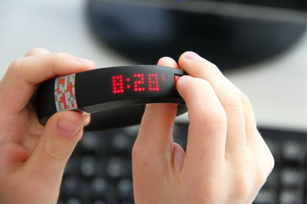 time display on Minecraft gameband