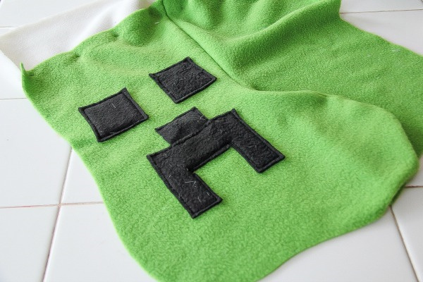 instructions for sewing a minecraft stocking