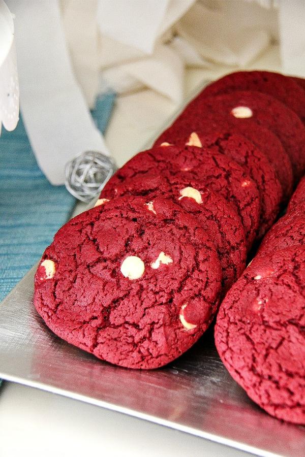 peppermint velvet cookies