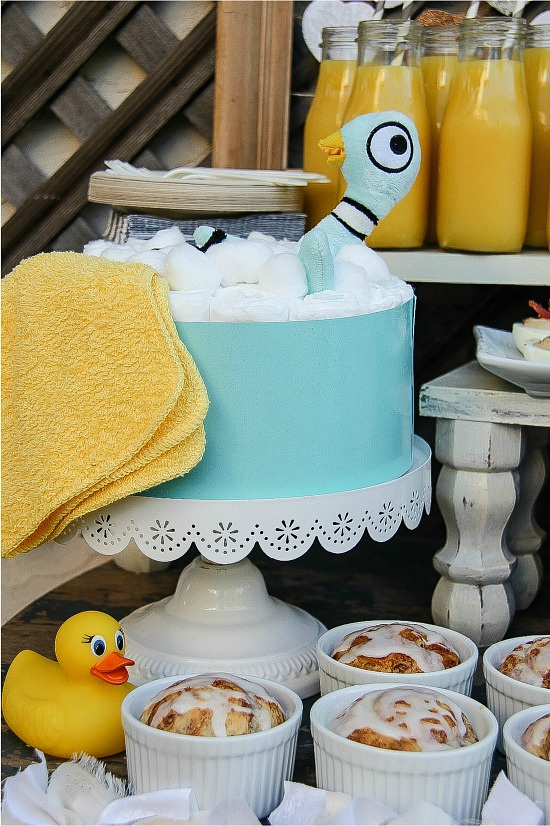 Mo Willems pigeon diaper cake