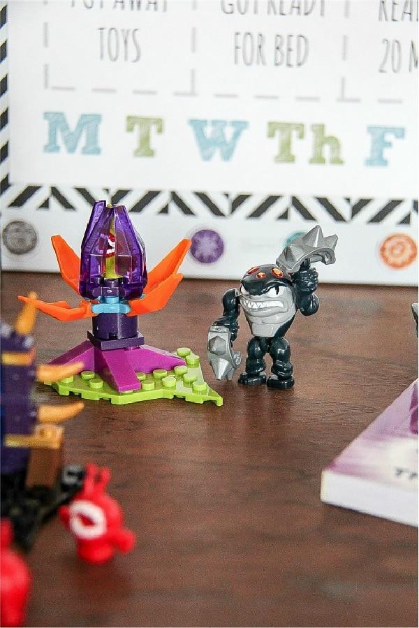 Skylanders building toys like LEGO