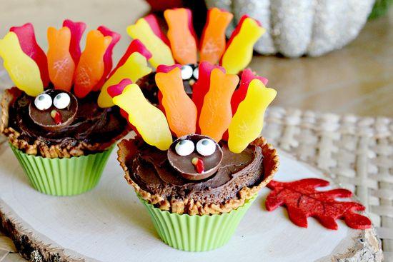 turkey cupcakes in waffle cones