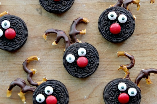 reindeer cookies made out of Oreo's and pretzels