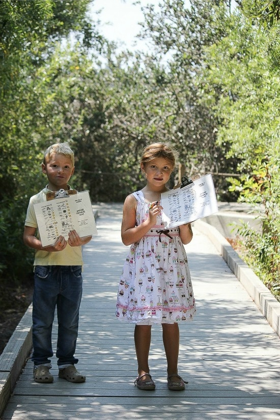 Kids doing a treasure hunt along the trails of the San Elijo Lagoon Nature Center
