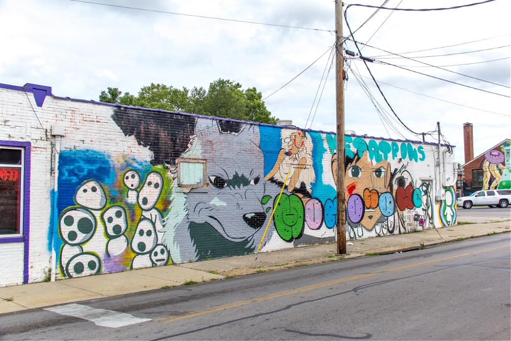 unknown wolf mural on the corner of north limestone and east sixth in lexington