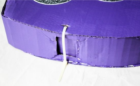 how to secure the opening of a pinata with a zip tie